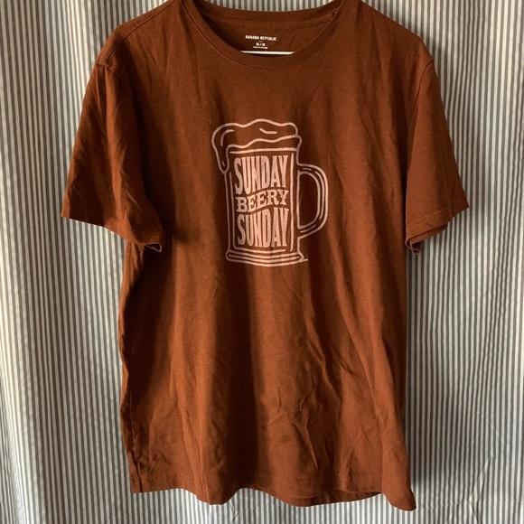 Banana Republic Factory Other - Brown graphic t-shirt, beer mug. Banana Republic